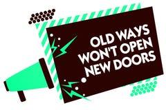 词文字文本老方式赢取了t不开放新的门 是的企业概念不同和独特的达到目标扩音机louds 免版税库存图片