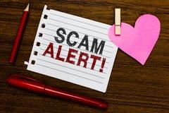 词文字文本诈欺戒备 警告的某人企业概念关于计划或欺骗通知任何异常的笔记本片断纸m 免版税库存图片