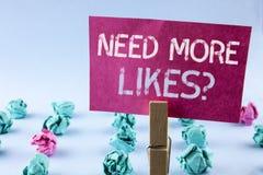 词文字文本需要更多喜欢问题 社会媒介的企业概念创建在桃红色写的更多爱好者追随者社区 库存照片