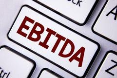 词文字文本Ebitda 收入的企业概念,在税被测量评估在白Ke前写的公司表现 免版税库存照片
