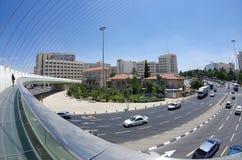 词条到耶路撒冷里 银行蓝色桥梁能城市云彩dnipropetrovsk羊毛状的轻的早晨一权利看到天空夏天那里乌克兰视图 库存图片