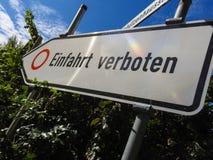 词条方向不路牌用德语 免版税库存图片