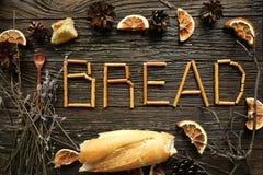 词面包由稀薄的面包条制成 免版税库存图片