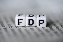 词FDP由在报纸德国党派政治的木字母表块形成了 库存图片