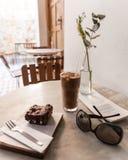 诚实的巧克力素食主义者食物咖啡馆 库存图片