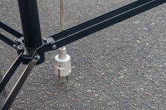 话筒插座插口在导线天 免版税库存照片