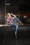话筒流行音乐歌唱家微笑的星形 免版税图库摄影