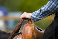 详细资料西部设备的骑马 库存图片