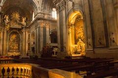 详述在Estrela大教堂里面在里斯本,葡萄牙 免版税库存图片