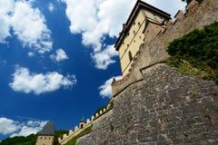 详细资料 Karlstejn城堡 cesky捷克krumlov中世纪老共和国城镇视图 免版税图库摄影