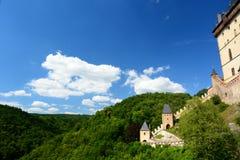 详细资料 Karlstejn城堡 cesky捷克krumlov中世纪老共和国城镇视图 免版税库存照片