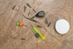 诱饵,勾子,坠子, ledcor为鲤鱼渔做准备 复制浆糊 免版税库存图片
