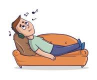 说谎在一个含沙色长沙发的年轻人听到在他的耳机的音乐 漫画人物传染媒介例证 库存例证