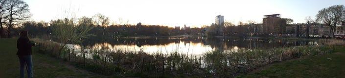 请在中央公园meer湖  免版税库存照片