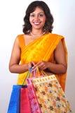 请求印第安可爱的购物妇女 免版税库存图片