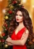 请求圣诞老人妇女 美好的微笑的女孩模型 构成 健康l 免版税图库摄影