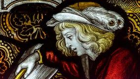 诸圣日教会彩色玻璃F的圣母堂B关闭 免版税库存图片