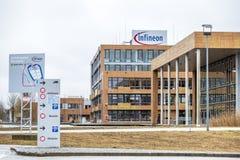 诺伊比贝尔格,德国- 2018年2月16日:英飞凌控制他们的从他们的总部大厦的事务接近 图库摄影