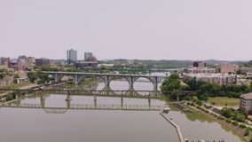 诺克斯维尔,田纳西,美国街市在世博会公园 诺克斯维尔会议中心 r 股票视频