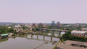 诺克斯维尔,田纳西,美国街市在世博会公园 诺克斯维尔会议中心 r 股票录像
