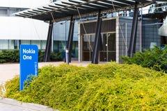 诺基亚在一个蓝色标志的名牌2017年9月16日 免版税图库摄影