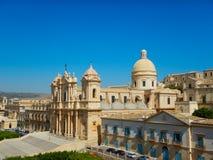 诺托,西西里岛中央寺院的全景  免版税库存照片