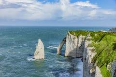 诺曼底的峭壁的Vew在Etretat 免版税库存照片