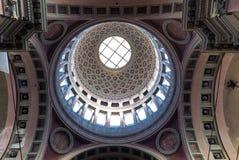 诺瓦腊,意大利- 9月3 :圣Gaudenzio大教堂的巨大的圆屋顶的内部看法2017年9月3日的 库存图片