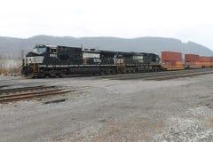 诺福克南部的联运方式火车 库存图片