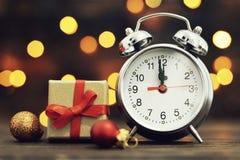 读秒新年度 午夜时钟 免版税库存图片