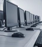 课堂计算机计算机行学校 库存照片
