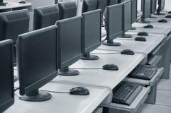课堂计算机计算机行学校 免版税库存照片