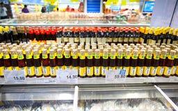 调味料油,超级市场 免版税库存图片