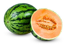 调味瓜的新鲜的整个水多的切的西瓜 背景查出的白色 图库摄影