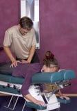 调整按摩脊柱治疗者vii 库存照片