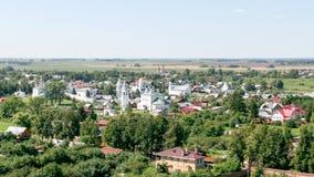 调解修道院的看法从钟楼的,俄罗斯,苏兹达尔 免版税库存图片