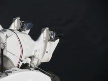 调整的两个船外马达马达和尝试在头次运行 免版税库存照片