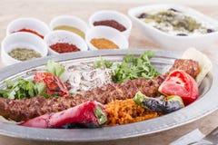 谄媚iskender kebab土耳其 库存照片