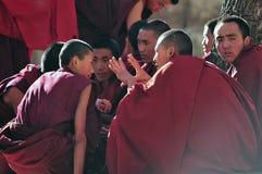 谈论圣经修士在西藏 图库摄影