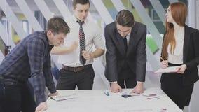 谈论的办公室工作者项目 股票视频