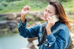 谈话亚裔的妇女站立和 库存照片