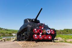 谢尔曼坦克纪念Torcross Slapton铺沙美国军人的德文郡 图库摄影
