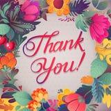 谢谢拟订在明亮的颜色 与文本、莓果、叶子和花的时髦的花卉背景 库存图片