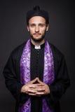 谦逊的天主教教士 免版税库存照片