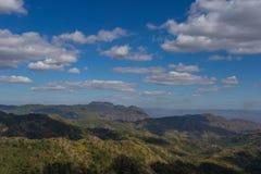 谷和泰国的美丽的天空的风景 免版税图库摄影