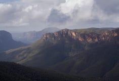 谷在NSW的蓝山山脉,澳大利亚 免版税图库摄影