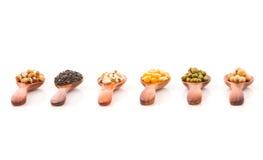 谷物健康庄稼用玉米,青豆,大豆,芝麻 米尔 免版税库存照片