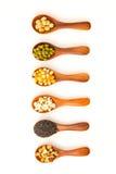 谷物健康庄稼用玉米,青豆,大豆,芝麻 米尔 库存照片