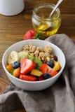 谷物用夏天果子和莓果 库存照片