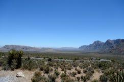 谷的看法在一个红色岩石峡谷的 免版税库存照片